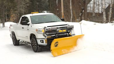 Photo of Does a snow plow damage a truck?